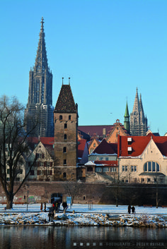 Ansicht von Ulm im Winterfrost. View of Ulm at a cold wintermorning.