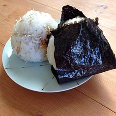 椎茸昆布と梅ちりめんじゃこ - 25件のもぐもぐ - おにぎり2つ by nishimakigohan