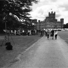 Last cast and crew photo #finalcountdown #lastdaysofdownton #downton