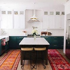 What a game!  Not going to lie, spent all but the last 10 minutes scrolling through insta and stumbled across this beauty of a kitchen!  The vintage rugs just make the space- perfection!  Home of @nenaandco owner.