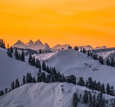 Proof  that it is worth it to wake up for sunrise. #northcascades #pnw