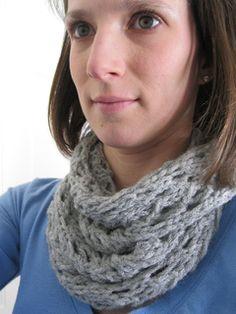 Arrowhead Lace Loop pattern by Amy Grace