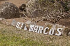 Lletres fusta blanca mitjanes. www.eventosycompromiso.com