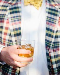 """The """"Southern Gentleman"""" drink: Gentleman Jack, sweet tea, and cranberry juice. Sweet Tea Cocktail, Signature Cocktail, Cocktail Drinks, Alcoholic Drinks, Cocktail Ideas, Beverages, Jack Daniels Cocktails, Southern Gentleman, Gentleman Jack"""