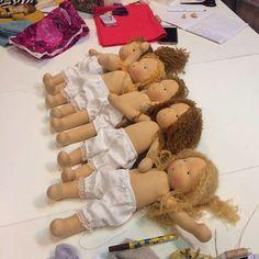 Мастер-класс завершился . Сотворили детей легко и просто , за четыре дня )) #мастеркласс #вальдорфскаякукла #waldorfdoll #taisoid