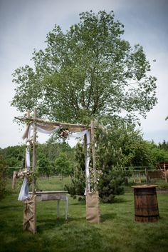 Svatební přípravy – Výzdoba | Na skok v kuchyni Arch, Outdoor Structures, Garden, Garten, Arches, Lawn And Garden, Outdoor, Bow, Tuin