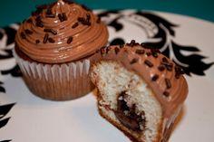 Een heerlijk nutella cupcakje van Floor met (warme) Nutella vanbinnen!
