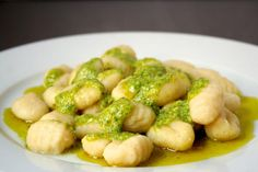 7 Sauces That Are Perfect for Pairing with Gnocchi: Gnocchi with Pesto Sauce