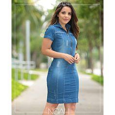 Vestido tubinho jeans lavado Moda Fashion, Denim Fashion, Fashion Outfits, Womens Fashion, English Dress, Blush Dresses, Jeans Dress, Trendy Dresses, Winter Dresses
