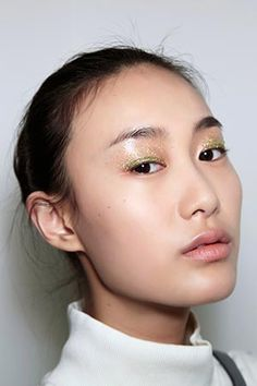 4 Beauty Hacks for Beating Oily Eyelids