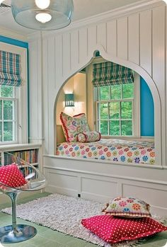 Gracefully arched window seat / reading nook / cupboard bed in white. Hooked on Nooks: The Top 100 Nook Ideas - Style Estate -