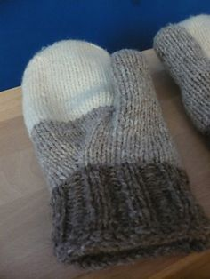 color block mittens - Ravelry: Project Gallery for Gradient - les moufles pattern by Louise Dietz -