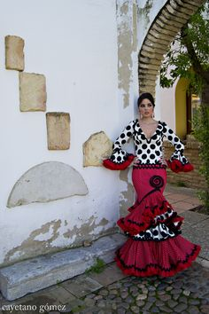Sonia e Isabelle (Sonibel) -Colección 2012- absolutely stunning flamenco dress.
