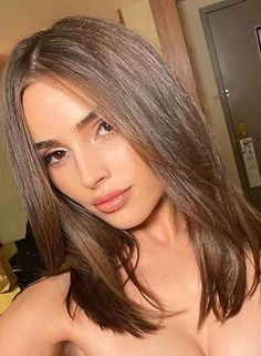 Amazing Medium Length Haircut Styles to Create in 2020 Haircut For Thick Hair, Haircuts For Long Hair, Hairstyles Haircuts, Side Fringe Hairstyles, Haircut Short, Short Haircuts, Medium Hair Cuts, Medium Hair Styles, Short Hair Styles