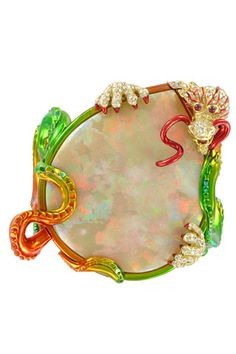 magnificent dragon bracelet by Dior Fine Jewelry - funky much ? Dior Jewelry, Jewelry For Her, Jewelry Art, Gemstone Jewelry, Jewelry Design, Jewelry Rings, Jewellery, Jewelry Logo, Jade Jewelry