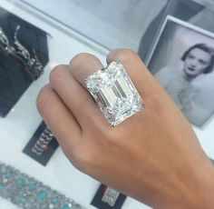 """Ever wondered what a 100 carat diamond ring looks like? Here is the ultimate emerald-cut diamond, Weighing carats, D colour, internally flawless"""" and """"unlike any diamond offered at auction before"""" Emerald Cut Diamonds, Diamond Gemstone, Diamond Jewelry, Diamond Cuts, 20 Carat Diamond Ring, Uncut Diamond, Diamond Pendant, Bijoux Or Rose, Jewelry Accessories"""