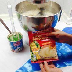 Για αυτή τη συνταγή θα χρειαστούμε: – 1 κουτί φυτική σαντιγύ Μόρφατ – 1 κουτί γάλα ζαχαρούχο – 1 ποτήρι φρέσκο γάλα – 1 φάκελο Ανθος στιγμής (βγαίνει σε διάφορες γεύσεις… Φραουλα, καραμελα, μπισκότο, σοκολάτα, βανίλια) – Μπισκότα Digestive ολικής χωρίς ζάχαρη Είναι τόσο απλή συνταγή που θα σας ενθουσιάσει. Αδειάζουμε στον κάδο του μίξερ …