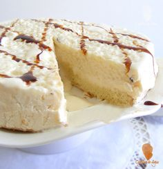Iced cake cinnamon, lemon mousse and rice pudding Best Meal Delivery, Thermomix Desserts, Cheesecake Cake, Pastry Recipes, Something Sweet, Yummy Cakes, Cooking Time, Vanilla Cake, Sweet Recipes