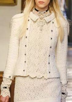 Fashion Tips Shirts Chanel Couture, Haute Couture Fashion, Fashion Brand, Retro Fashion, Melbourne Cup Fashion, Chanel Style Jacket, Fashion Tips For Women, Womens Fashion, Fashion Details