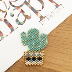 Seed Bead Patterns, Beaded Bracelet Patterns, Peyote Patterns, Beading Patterns, Art Perle, Motifs Perler, Peyote Beading, Beaded Animals, Seed Bead Jewelry