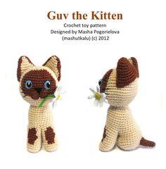 Un peu au crochet jouet chaton avec une Marguerite. Il est assez facile à crocheter. La liste de tous les matériaux et les points dont vous aurez