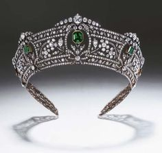 Harcourt Emerald Tiara - what a beautiful piece I hope it found a good home after being sold on auction  by Christie's