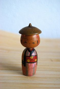 Japanese vintage kokeshi doll ...... My uncle had a few of these.