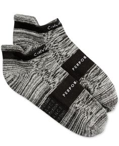 A center, no-slip grip makes these Calvin Klein socks a perfectly stylish pair…