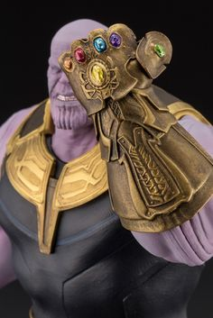 Thanos Avengers, Pig Birthday Cakes, The Infinity Gauntlet, Marvel Villains, Infinity War, Action Figures, Animation, Toys, Collection