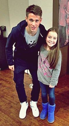 One lucky kid!!!how i wish i was the girl in the picture huhuuu