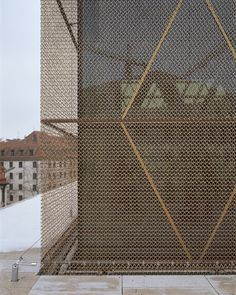 Gallery of The Jewish Center in Munich / Wandel Hoefer Lorch + Hirsch - 3 metal facade -The Jewish Center in Munich / Wandel Hoefer Lorch + Hirsch Metal Facade, Metal Mesh Screen, Metal Cladding, Architecture Metal, Detail Architecture, Building Skin, Building Facade, Building Homes, Facade Pattern