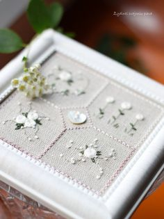 Cross stitch fabric ~ 32 count Natural Belfast linen at thecottageneedle.com!