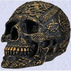 Celtic art Gothic Gold medieval Skull Sculpture