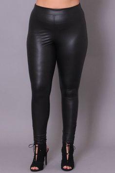 Plus Size Hook & Eye Faux Leather Leggings - Black