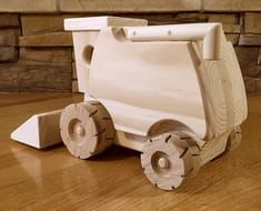 Appealing Woodworking Projects For Kids Ideas. Delightful Woodworking Projects For Kids Ideas. Woodworking Table Plans, Woodworking Projects For Kids, Learn Woodworking, Wooden Toy Farm, Wooden Car, Scrap Wood Projects, Wood Toys, Handmade Toys, Diy And Crafts
