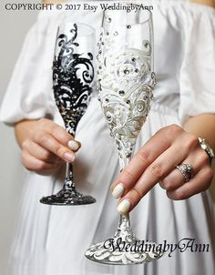 White and Black Lace Wedding Glasses, Lace Wedding, Bride And Groom, Personalized Toasting Flutes, Wedding flutes, Wedding gift, Set of 2