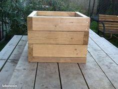 Jardinière en bois carré