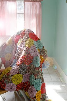 GIANT yoyo quilt...attn Audrey Strickland, I need this!