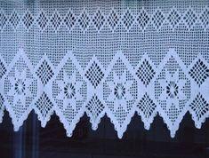 Bilderesultat for gordijnen haken crochet Crochet Lace Edging, Love Crochet, Crochet Doilies, Tunisian Crochet, Filet Crochet, Crochet Stitches, Crochet Ornaments, Crochet Crafts, Nostalgic Pictures