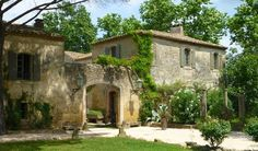Imagine falling asleep in a luxurious room, once part of grand Renaissance French mansion or under soft linens in the bedroom a now historical, listed building. Find out what has to say about where to stay in Uzes. Link in bio Country Stil, Country Farmhouse Decor, French Country Decorating, Country Interior, Modern Country, French Cottage, French Country House, French Farmhouse, French Mansion