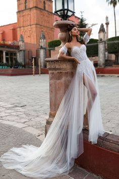 Gorgeous Embroidered Strapless Sweetheart Tulle Slit Wedding Dress / Bridal Gown with Long Train for the Beach Wedding. San Miguel Collection 2019 by Julie Vino 70s Wedding Dress, Western Wedding Dresses, Mod Wedding, Dream Wedding Dresses, Bridal Dresses, Wedding Gowns, Bridesmaid Dresses, Wedding Ideas, Stella York
