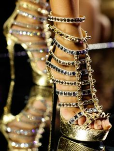 Please give me these studded and precious #heels!