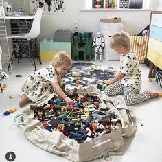 Doesn't get better than☝️☺️ @willieandmillie❣ #genious #legostorage #minimalistdesign #itskaos You need to check out Willieandmillie mats too. They are