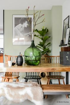 Binnenkijken Tatjana's World Bohemian interieur vintage style ©BintiHome Cartoons is usually a word obtained from Dining Room Design, Interior Design Kitchen, Kitchen Decor, Interior Bohemio, Bohemian Interior, Traditional Interior, Küchen Design, Vintage Home Decor, Chairs
