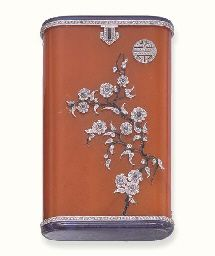 AN ART DECO AMBER, LAPIS LAZULI AND DIAMOND CASE, BY LACLOCH