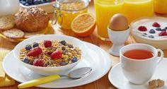 El desayuno es considerado por muchos como la comida más importante del día . Descubre en este artículo el top 10 de los desayunos ricos en proteínas.