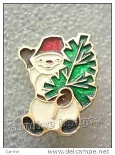 Celebration New year, Christmas. Snow man and Christmas tree / old soviet badge USSR _66_c3965 - Delcampe.com
