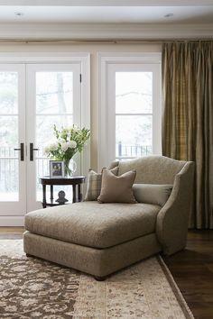 I see myself curled up here with a comfy blanket and good book :) Master bedroom? #Livingroom #Design #HomeDecor