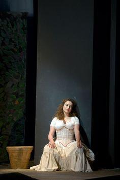 Clèmentine Margaine Franse mezzo-sopraan  als Carmen, maar in Händel en Mozart opera's