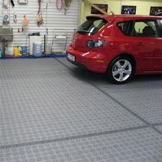 Garage und Boden mit Bergo PREMIUM in kleiner Garage | Garagenboden ...